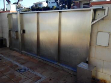 Puertas automaticas de garaje barcelona precios y - Instalacion puertas correderas ...